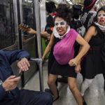 Mexique : A Mexico, des clowns pour sensibiliser au respect