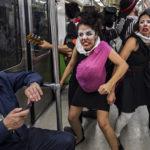 Mexique : A Mexico, des clowns pour sensibiliser au respect