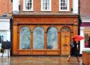 Les locaux commerciaux inoccupés sont l'aspect le plus visible du déclin des centres-villes
